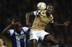 """FC Porto estudou a fundo o manual de sobrevivência - PÚBLICO  """"Dragões"""" resistiram a uma expulsão e a um penálti no último lance do jogo com o Boavista, segurando uma vaga nas meias-finais da Taça de Portugal. """"Axadrezados"""" rubricaram uma excelente segunda parte."""