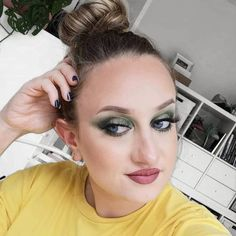 Tried to create a green fall make up look by using the Fenty Beauty Snapshadows Eye Make Up, Green Eyes, Makeup Looks, Candy, Create, Fall, How To Make, Blog, Beauty