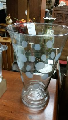 This is a massive vase! Perfect gift idea #collingwood