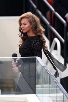 Beyoncé in Lorraine Schwartz emerald earrings, 2013 Presidential Inauguration