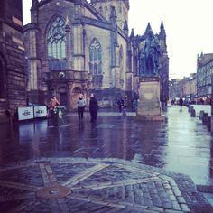 The most centre point of Edinburgh Edinburgh City Guide -  http://www.prestigeapartments.co.uk/city-guide-details.cfm?region=3&town=Edinburgh