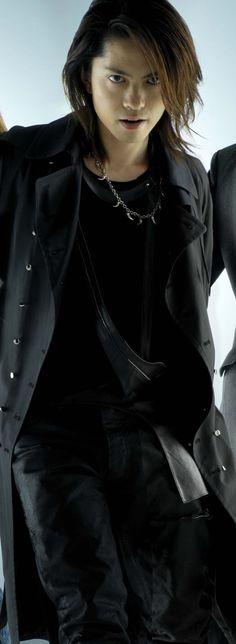 Hyde (Jerusalem Rod, L'Arc~En~Ciel, VAMPS, solo artist)