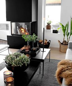20 tips will help you improve the environment in your bedroom credit decoration interieur home decoration decoration salon Living Furniture, Living Room Interior, Home Furniture, Living Room Decor, Decoration Entree, Old Fireplace, Online Furniture Stores, Furniture Shopping, Decorating Your Home