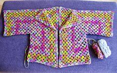 *Granny SquareHexagon Vest* Toen ik het patroon van dit vest tegenkwam vond ik het meteen leuk, het patroon is verrassend eenvoudig ...