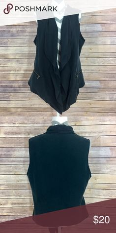 ✨Ellen Tracy Vest✨ XL. Zipper pockets. 70% modal 30% polyester   💕Need any other information? Measurements? Materials? Feel free to ask! 💕Unfortunately, I am unable to model items!  💕Don't be shy, I always welcome reasonable offers! 💕Fast shipping! Same or next day! 💕Sorry, no trades!  Happy Poshing!☺️ Ellen Tracy Jackets & Coats Vests