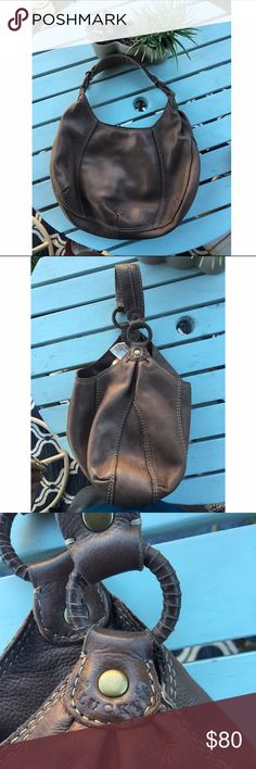 Lucky 🍀 brand 💯 % leather shoulder purse 👛 Beautiful brown leather shoulder purse by lucky 🍀 brand. The leather is still in very good condition it does have some lite signs or wear but no holes or tear just some little stains here and there. ❤bundle to save❤💎offer welcomed💎🌵please no low ball🌵 Lucky Brand Bags Shoulder Bags