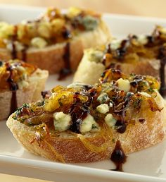 Balsamic Glazed Onion Crostini — top a toasted baguette with caramelized onions and balsamic glaze for an unforgettable appetizer! Appetizer Dips, Appetizer Recipes, Tapas, Bruchetta, Sandwiches, Balsamic Glaze, Food For A Crowd, Appetisers, Recipe Collection