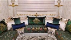 Deco Design, Decoration, Bed Pillows, Pillow Cases, Interior Design, Living Room, House, Moroccan, Furniture
