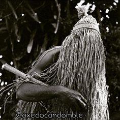 #omolu #obaluae #atôtô  #candomble #umbanda #ketu #angola #nagô #jeje #orixa #orixas #quemédoaxédizqueé #afro #lovemacumba #love #fe #energia #divindades #sagrado #africa #nigeria #minha_fe_veio_da_africa #axe #motumba  by axedocandomble