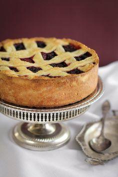 Sprinkle Bakes: Deep Dish Berry Pie Tart