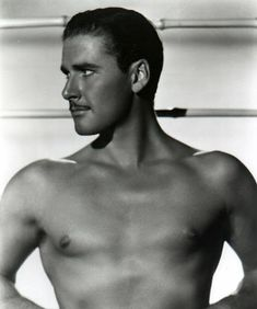 Cary Elwes as Errol Flynn Golden Age Of Hollywood, Vintage Hollywood, Hollywood Glamour, Classic Hollywood, In Hollywood, Errol Flynn, Photo Tag, Jouer Du Piano, Cary Elwes