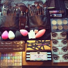 What's in My Beauty Bag! Top 10 Products!