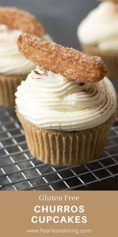 Gluten Free Churros Cupcakes make a delicious dessert for a party. These gluten free cinnamon cupcakes taste just like churros. Perfect for a fiesta Cinco de Mayo or anytime you want a Mexican dessert. Best Gluten Free Desserts, Gluten Free Treats, Gluten Free Cakes, Gluten Free Baking, Gluten Free Vegan Cupcakes, Healthy Baking, Healthy Recipes, Churro Cupcakes, Cinnamon Cupcakes