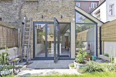 Take a look at our kitchen extension and side return gallery. View our variety of Extensions in the capital. Request a Free Quote online. Door Design, Victorian Homes, Glass Extension, House Siding, Kitchen Extension Side Return, London House, Roof Light, Kitchen Door Designs, Victorian Terrace