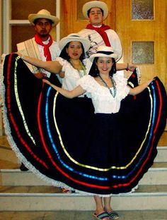 If you're Colombian, you were dressed like this at one point in your childhood. (My brother had the matching male outfit! Mom Dress, Fancy Dress, Folklore, Colombian People, Colombian Art, Colombia South America, Latin America, International Clothing, Folk Costume