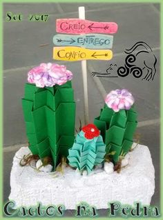 Origami, Flower Arrangements, Planter Pots, Cactus Plants, Flowers, Floral Arrangements, Origami Paper, Origami Art
