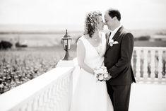 Auf die Hochzeit von Waltraud & Mario im Winzerschlössl in Kleinhöflein freute ich mich ganz besonders, denn schon bei unserem… Weiterlesen von Hochzeit im Winzerschlössl Kleinhöflein Mario, Wedding Dresses, Fashion, Movie, Small Yards, Bride Gowns, Wedding Gowns, Moda, La Mode