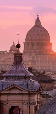 Tipps für Rom im Herbst: http://www.travelbook.de/europa/Heilige-Stadt-ohne-Hektik-Im-Herbst-fuehren-alle-Wege-nach-Rom-203374.html (Foto: getty)