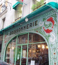 Ancienne poissonnerie dans la rue de Buci, Paris - C'est maintenant un restaurant.