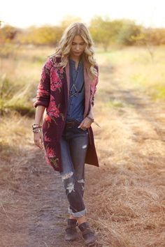 On The Road. http://www.freepeople.com/on-the-road/?cm_re=121029_hp-_-shop-_-ontheroad