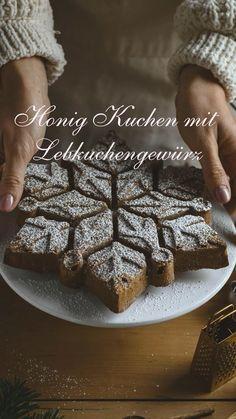 #rezept #kuchen #weihnachten #kuchenrezept #kuchenbacken #backen Christmas Party Food, Food Art, Cooking Tips, Cookie Recipes, Waffles, Food Photography, Baking, Breakfast, Cake