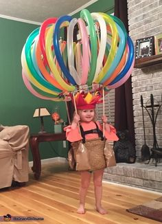 DIY Hot Air Balloon Costume via Pretty My Party If you're looking for creative DIY Halloween Costumes For Kids, this list is perfect. Get easy and quick ideas for DIY Kids Halloween costumes. Homemade Halloween Costumes, Halloween Tags, Halloween Costume Contest, Holidays Halloween, Baby Halloween, Halloween Decorations, Costume Ideas, Vintage Halloween, Halloween Costumes For Toddlers