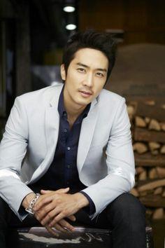 Song Seung Hun Warns About Korean Wave's Backlash