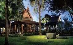 Salathip at Shangri-La Hotel, 89 Soi Wat Suan Plu, New Road