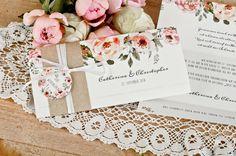 """Vintage Einladung mit Kraftpapier BAnderole und süßem Anhänger und Wasserfarbe Blumen zur Hochzeit """"Catherina und Christopher"""" - carinokarten"""