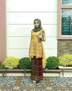 New Dress Lace Hijab Style Ideas Kebaya Modern Hijab, Kebaya Hijab, Kebaya Muslim, Muslim Dress, Kebaya Lace, Kebaya Dress, Batik Kebaya, Batik Dress, Dress Lace