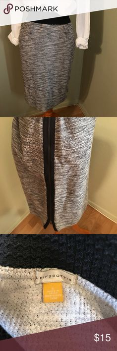Leifsdottir Pencil Skirt Cotton with zippers on side. Size S. Great condition. Nordstrom Skirts Pencil