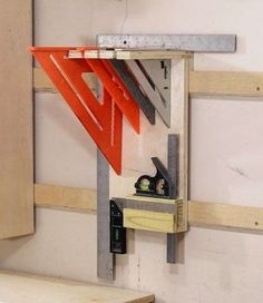 Woodworking Shop How To Make A French Cleat Square Holder – Jays Custom Creations Garage Tool Storage, Workshop Storage, Workshop Organization, Garage Tools, Home Workshop, Garage Workshop, Garage Shop, Workbench Organization, Workshop Plans