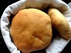 Pitabrød med ølandshvedemel. Lækre hjemmebagte pitabrød lavet med økologisk ølandshvedemel fra grupe meyer.