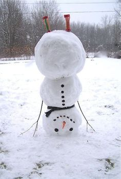 Upside-down snowman. What a fun idea! #winter #snow