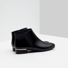 Zara - FLAT ANKLE BOOTS WITH METAL DETAIL. Gimme ALL the pointy toed flat ankle boots.