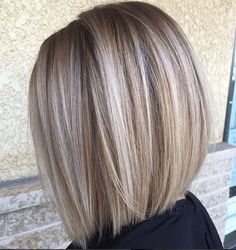 Blunt Blonde Balayage Bob Best Picture For light brown hair color ideas For Your Taste You are looki Blonde Balayage Bob, Bronde Hair, Blonde Bobs, Short Balayage, Balayage Highlights, Wavy Bobs, Layered Bobs, Blunt Blonde Bob, Medium Blonde Bob