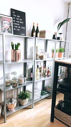 20 trendiest ikea hyllis shelf ideas that make it all easy 4 Small Apartment Kitchen, Home Decor Kitchen, Apartment Living, Diy Home Decor, Ikea Shelves, Interior Decorating, Interior Design, Room Accessories, Ikea Hacks