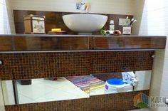 Интерьер ванной комнаты, накладная раковина на столешницу, столешница в ванной, отделка столешницы мозаикой