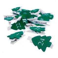 Tannenbaum-Klammer-Girlande, grün/weiß. 24 grüne Holz-Tannenbäume, bemalt mit weißen Zahlen.