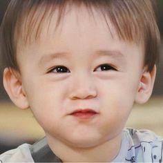 Cute Little Baby, Little Babies, Baby Kids, Cute Asian Babies, Korean Babies, Cute Kids Pics, Cute Pictures, Superman Kids, Song Triplets