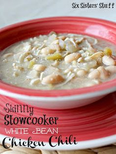 A Delicious Healthy Meal! Skinny Slow Cooker White Bean Chicken Chili from Sixsistersstuff.com #soup #chili #Healthy Meal