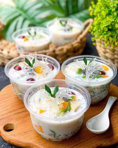 Cocktail Desserts, Dessert Drinks, Yummy Drinks, Dessert Recipes, Thai Dessert, Indonesian Desserts, Asian Desserts, Indonesian Food, Food Texture