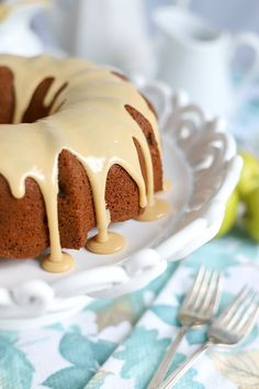 A topping of sweet caramel makes this already moist and delicious applesauce cake extra special. An easy recipe, old-fashioned Bundt cake is a perfectly spiced fall dessert. Cream Cheese Apple Dip, Cream Cheese Pound Cake, Apples And Cheese, Cream Cheese Recipes, Quick Apple Dessert, Healthy Apple Desserts, Easy Desserts, Delicious Desserts, Applesauce Cake Recipe