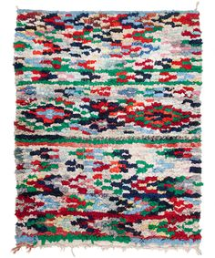 boucharouite rag rug.   deze tapijten maken ze van oude kleding en stofjes die je zelf inlevert!! lieve babykleertjes, leuke gordijnen, je trouwjurk, etc.