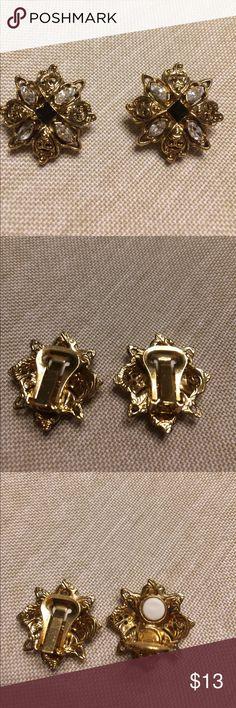 Vintage clip earrings 4 faux diamonds with black gem center Monet Jewelry Earrings