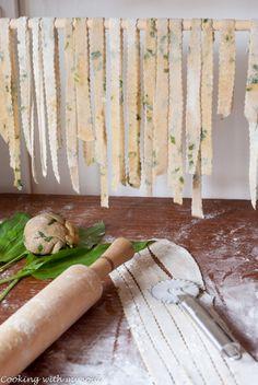 Taitei de casa, cu faina integrala si leurda - Cooking with my soulCooking with my soul Fără Gluten, Wild Garlic, Veggies, Homemade, Foods, Vegan, Drinks, Cooking, Interior