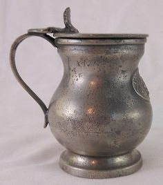 Early 19th Century Pewter Half Pint Covered Measure