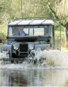 Land Rover 107 Serie One Pickup in washing process...lol) Lobezno.