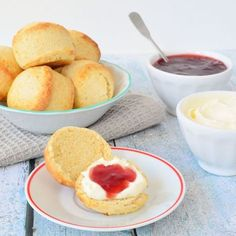 You searched for scones - Laura's Bakery Bakery Recipes, Tea Recipes, Sweet Recipes, Brunch, Cream Lemon, High Tea Food, Homemade Scones, Biscuits, English Food