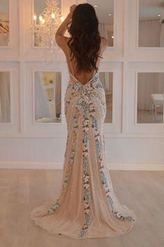 vestido de festa tom pastel bordado